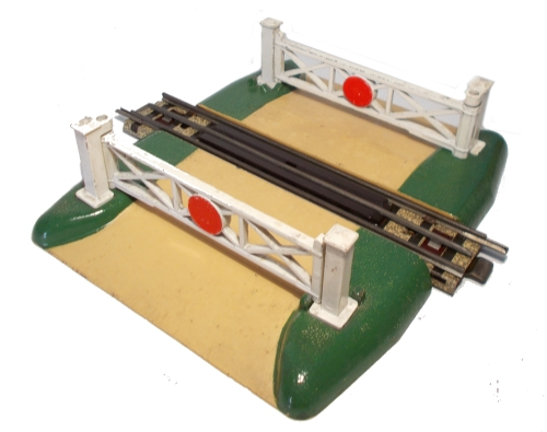 Hornby Dublo 3-Rail Level Crossing with Track
